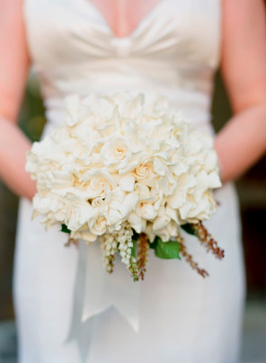 all-white-bouquet