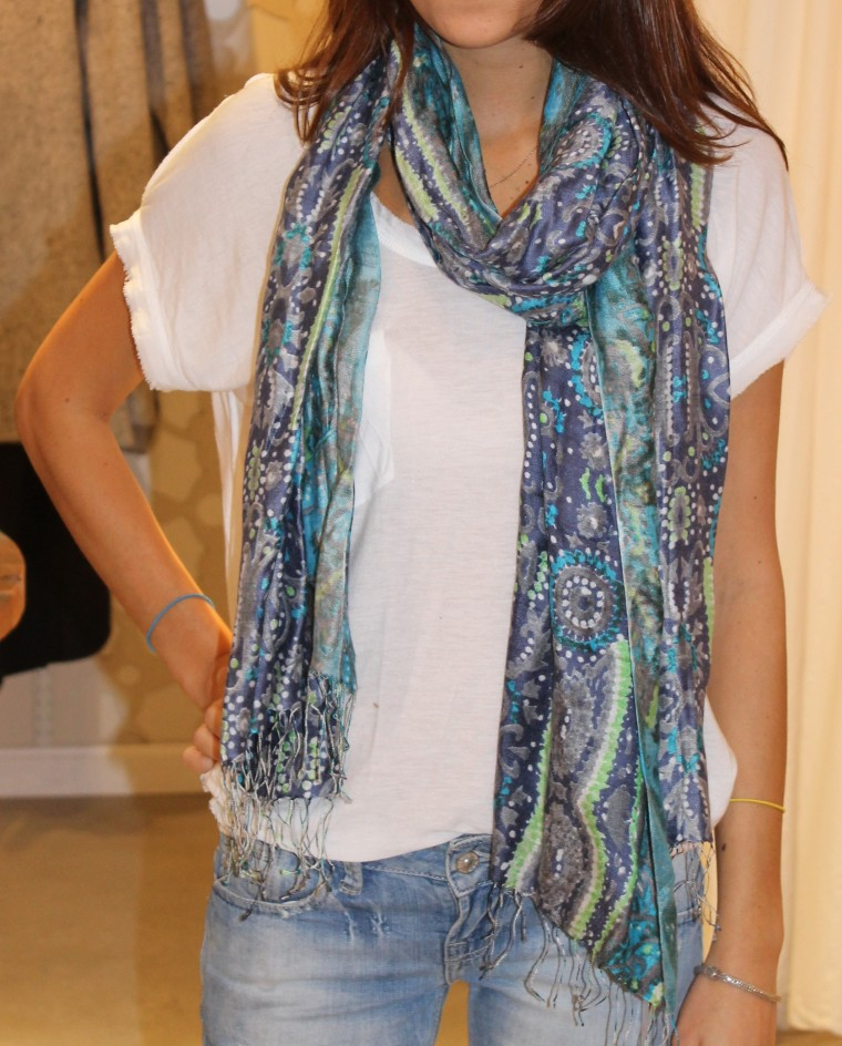 SAVA-tolani-scarf