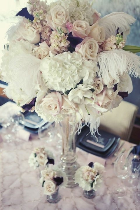 centerpiece-with-feathers